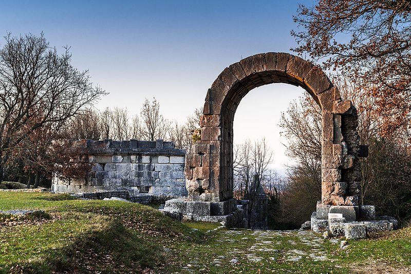 Carsulae Arco di San Damiano